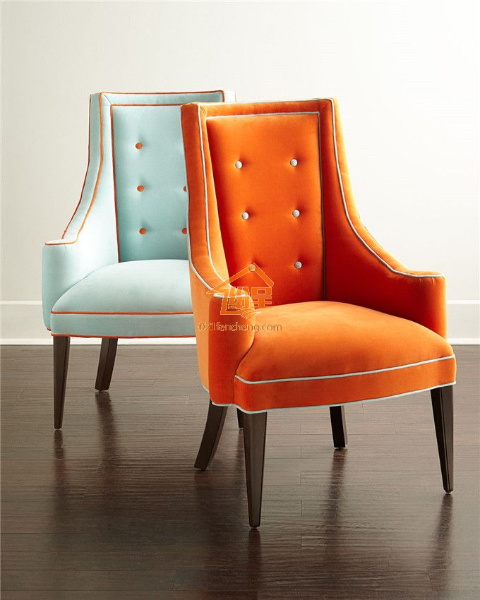 欧式风格的餐椅线条简单流畅